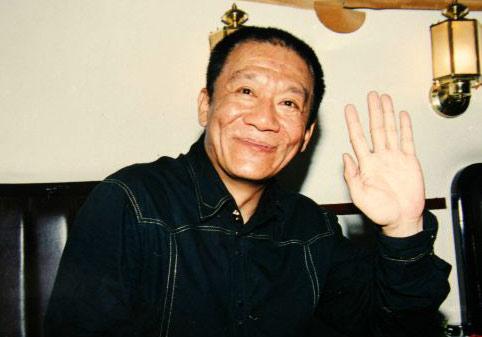 07年6月23日18时30分,著名相声演员侯耀文因心脏病发作在北京去世
