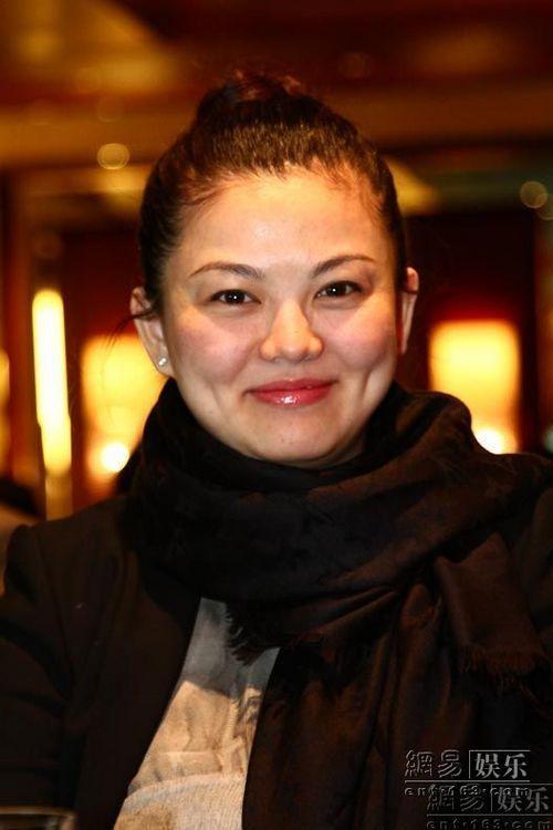 李湘以芒果影业总经理身份到场助阵。
