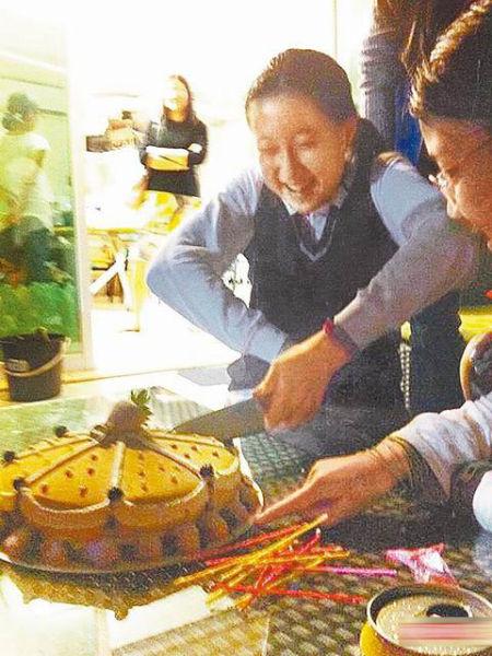 吴卓林开心切12岁生日蛋糕