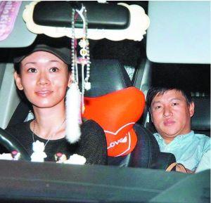 杨思琦接受采访时对与吴帅的感情不愿多谈,只是表示两人未结婚。而去年,杨思琦及其母亲都与吴帅互动频繁。
