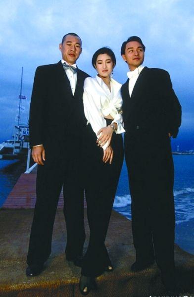 1993年,《霸王别姬》剧组合影。
