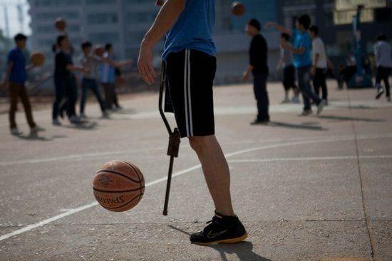 与篮球为伴