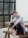 宋佳封面大片曝光 恬淡清新演绎早秋时尚