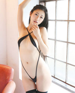 日本情色女星坛蜜全裸写真上演名模范儿