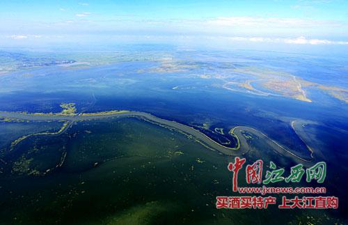 走进丰水鄱阳湖看万吨船舶通航