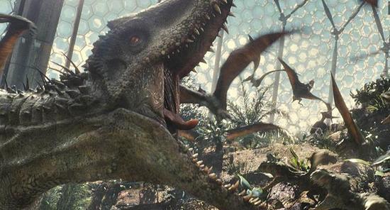 《侏罗纪世界》曝新剧照