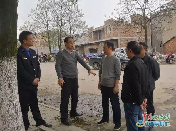 """广丰区领导现场调度""""创国卫""""工作"""