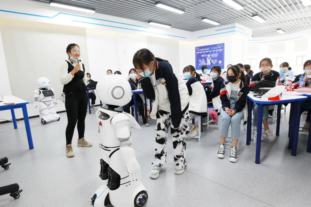 《【欧亿公司】工业设计&教育装备从丰城走向全国》