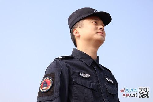 """群众心里的""""守夜人""""——记余干县公安局特巡警大队副大队长邹新昌(图)"""